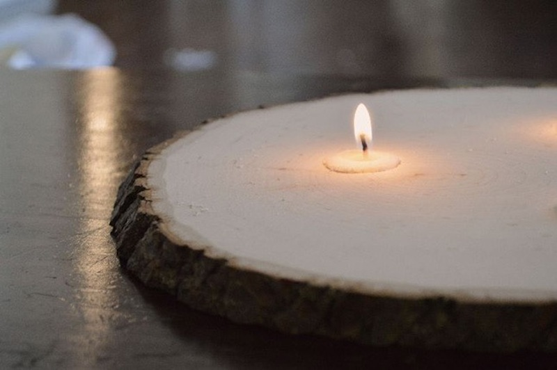 Tree slice candle holder