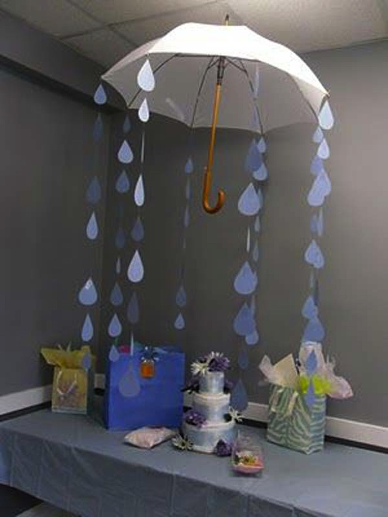 15 gorgeous diy baby shower ideas for Decor umbrellas