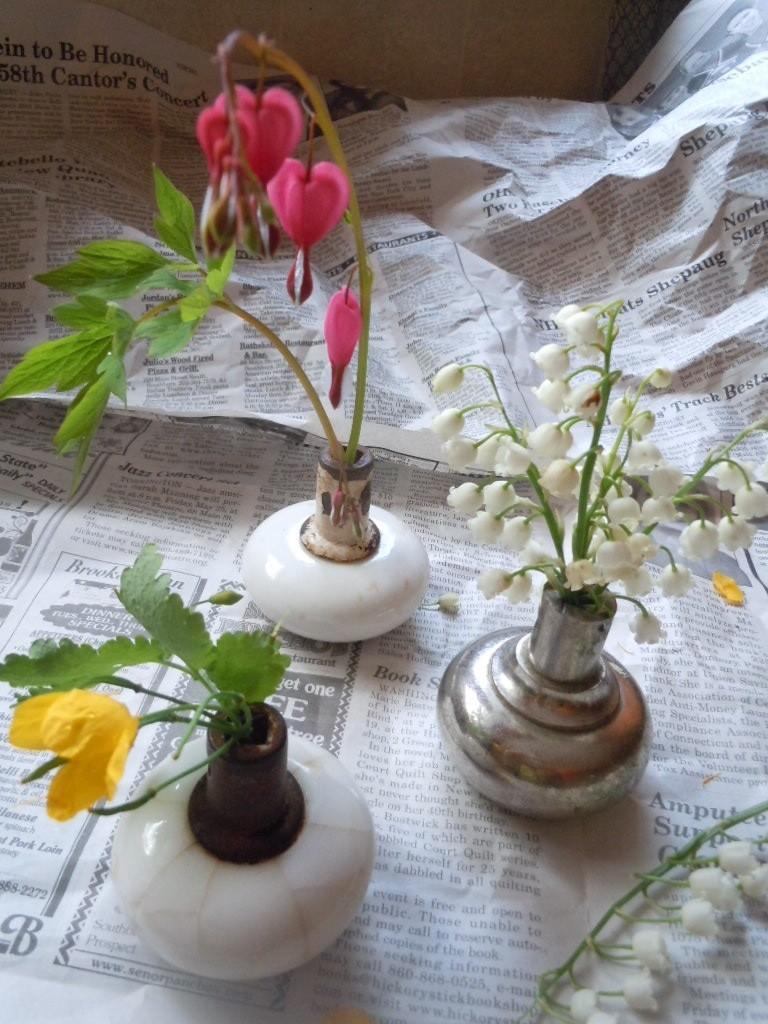 Doorknob flower vases diy