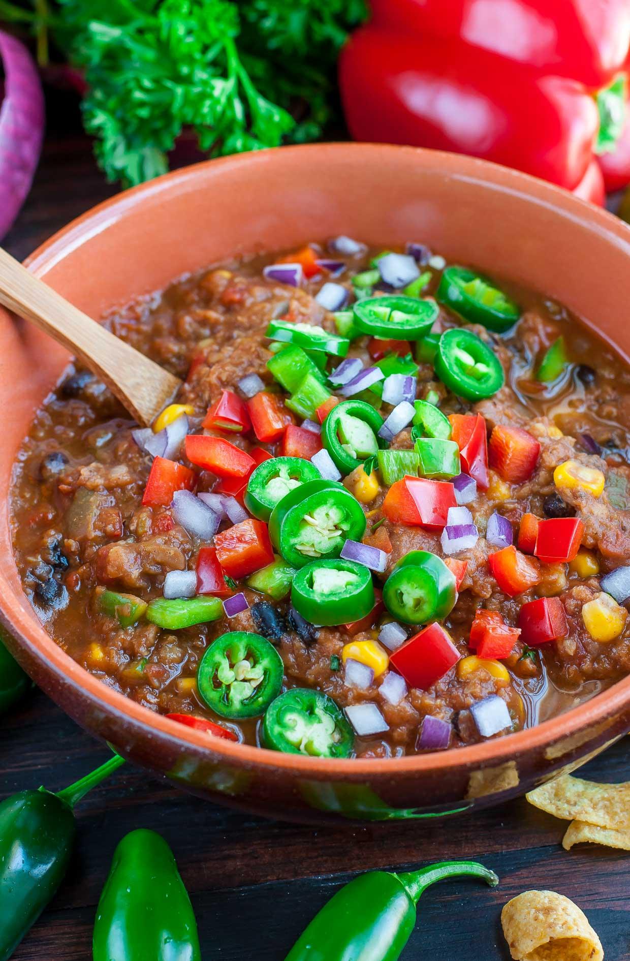 Easy healthy vegan red lentil chili recipe peasandcrayons 1958