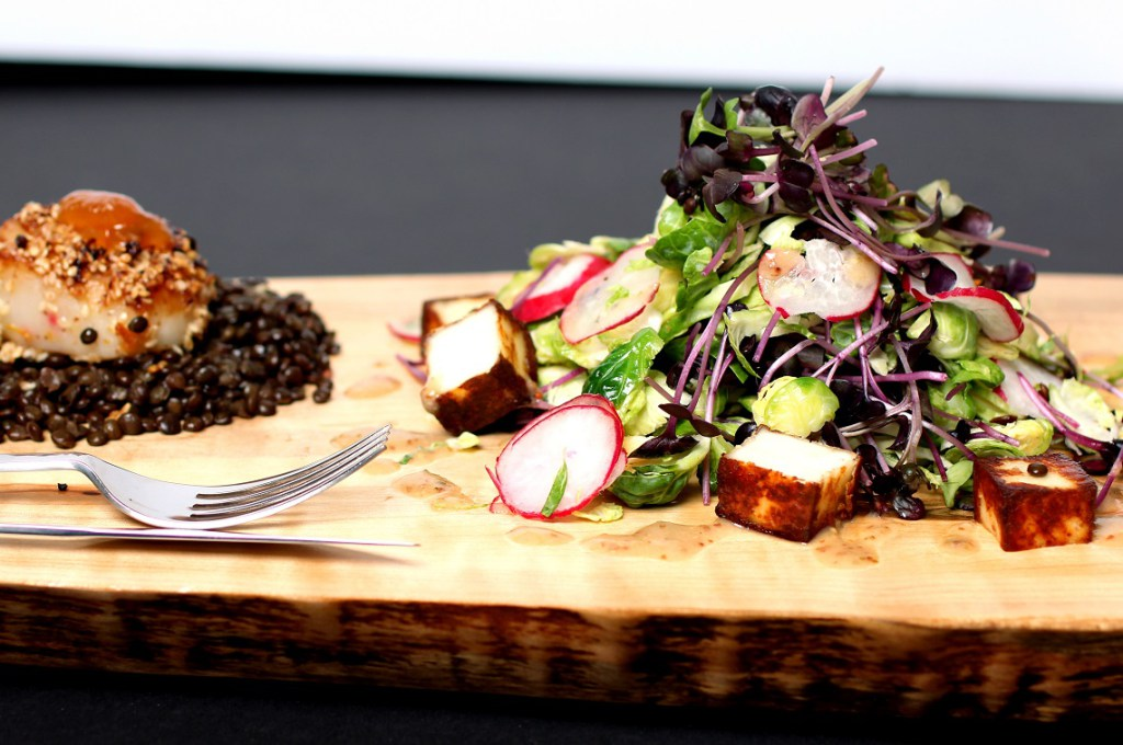 Scallops and black beluga caviar lentils with microgreens