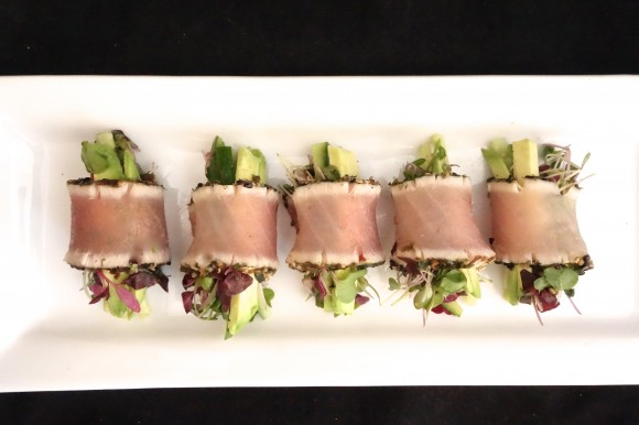 Seared tuna rolls with microgreens