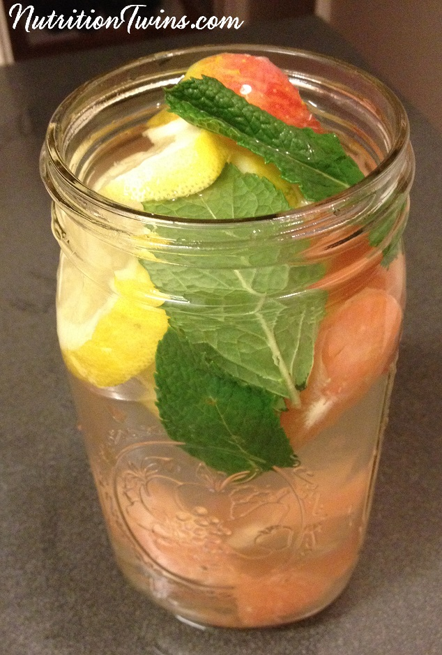 Apple cider vinegar mint detox drink recipe
