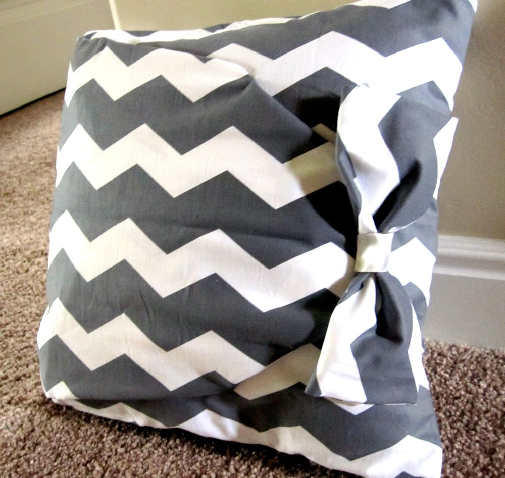 How To Make A Throw Pillow Without Sewing : No-Sew Pillow Case Patterns