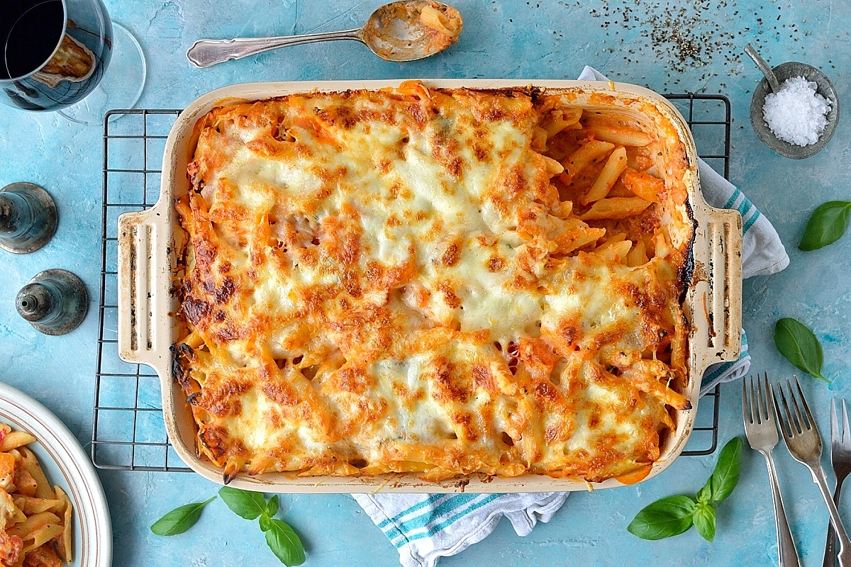 Butternut squash and ricotta pasta bake - a hearty, filling vegetarian meal that will please all the family!
