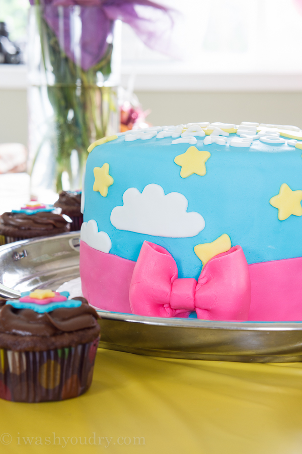 Diy gender reveal cake idea