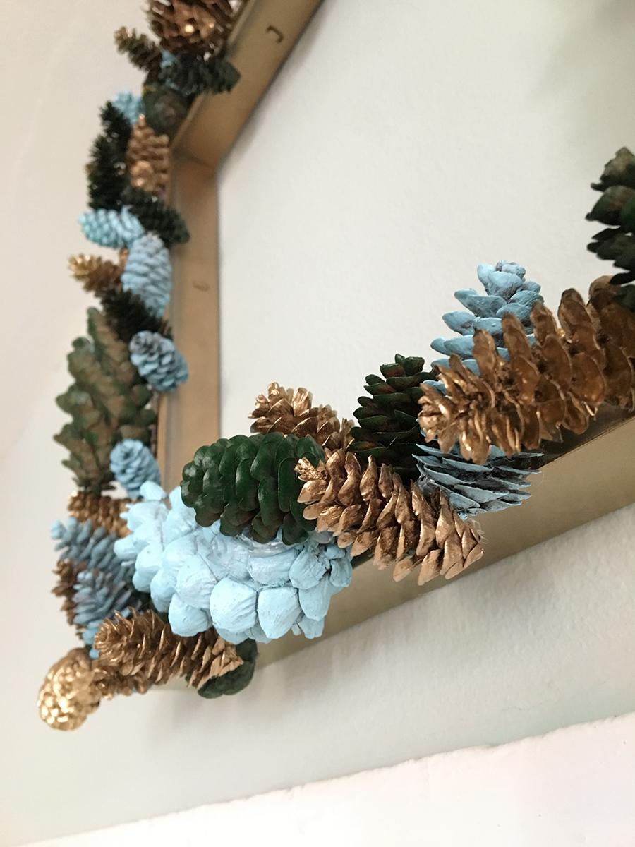 Diy pinecone wreath 1
