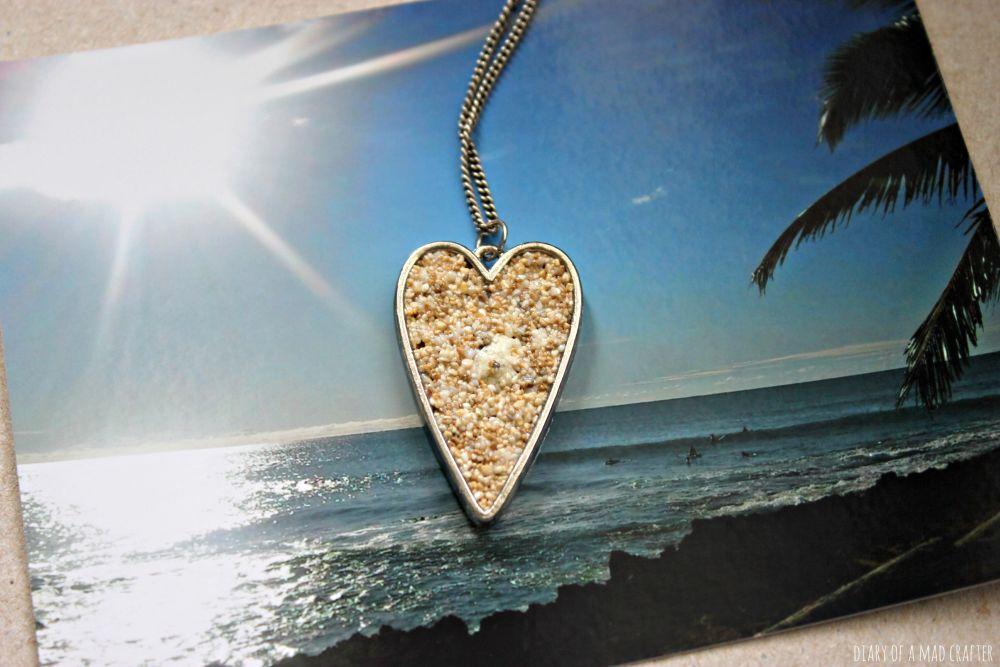 Diy sand necklace