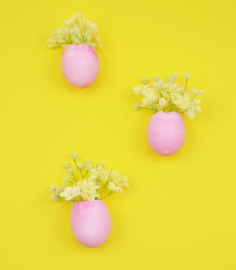 How to make easter egg magnets flowers