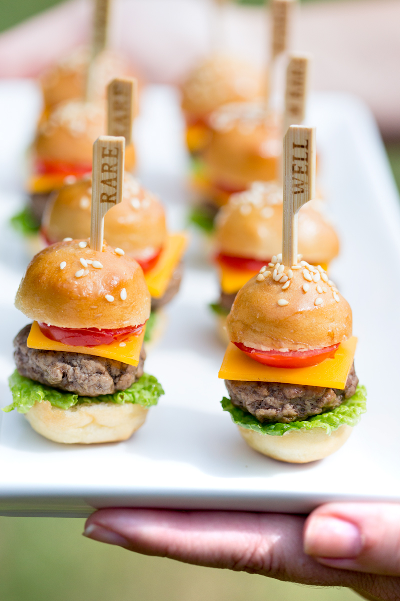 Mini cheeseburgers recipe