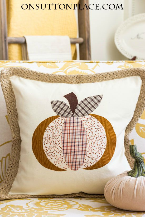 Pumpkin no sew pillow
