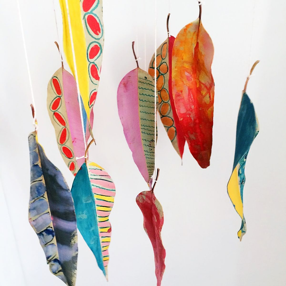 Diy painted leaf mobile