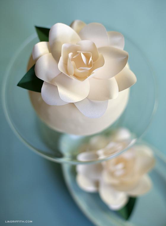 Diy paper metallic gardenia