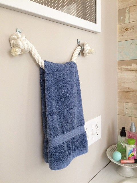 Rope towel holder diy