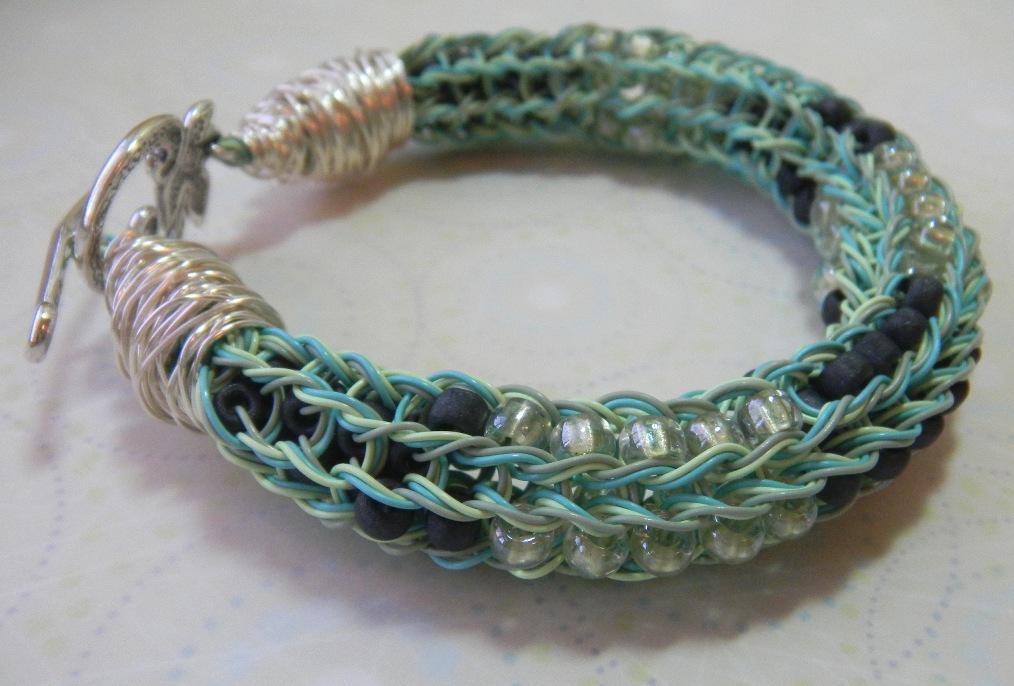Beaded spool knitting bracelet
