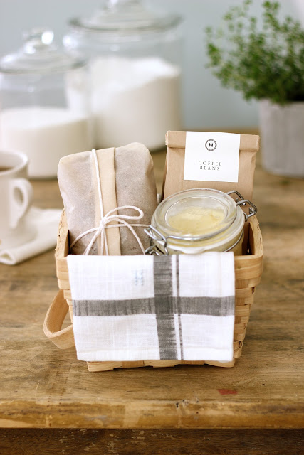 Diy breakfast hostess gift basket
