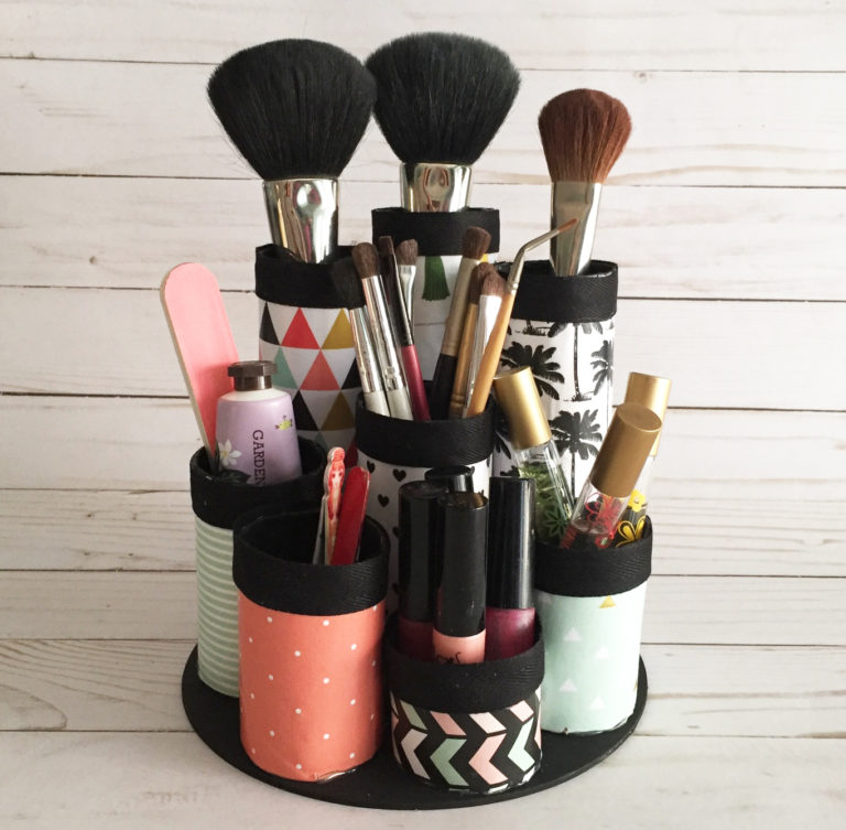 22 Makeup Brush Holders To Keep Your Tools Clean And Ready