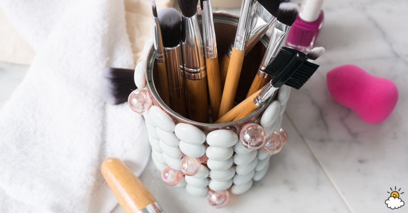 Diy soup can makeup brush holder
