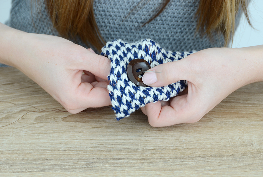 DIY Knit Wrap For Spring Button