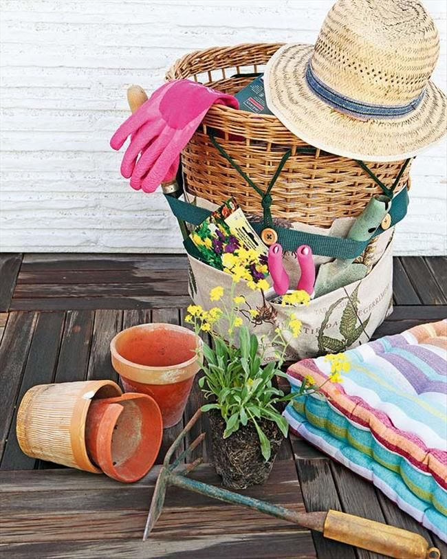 Garden tools storage wicker basket