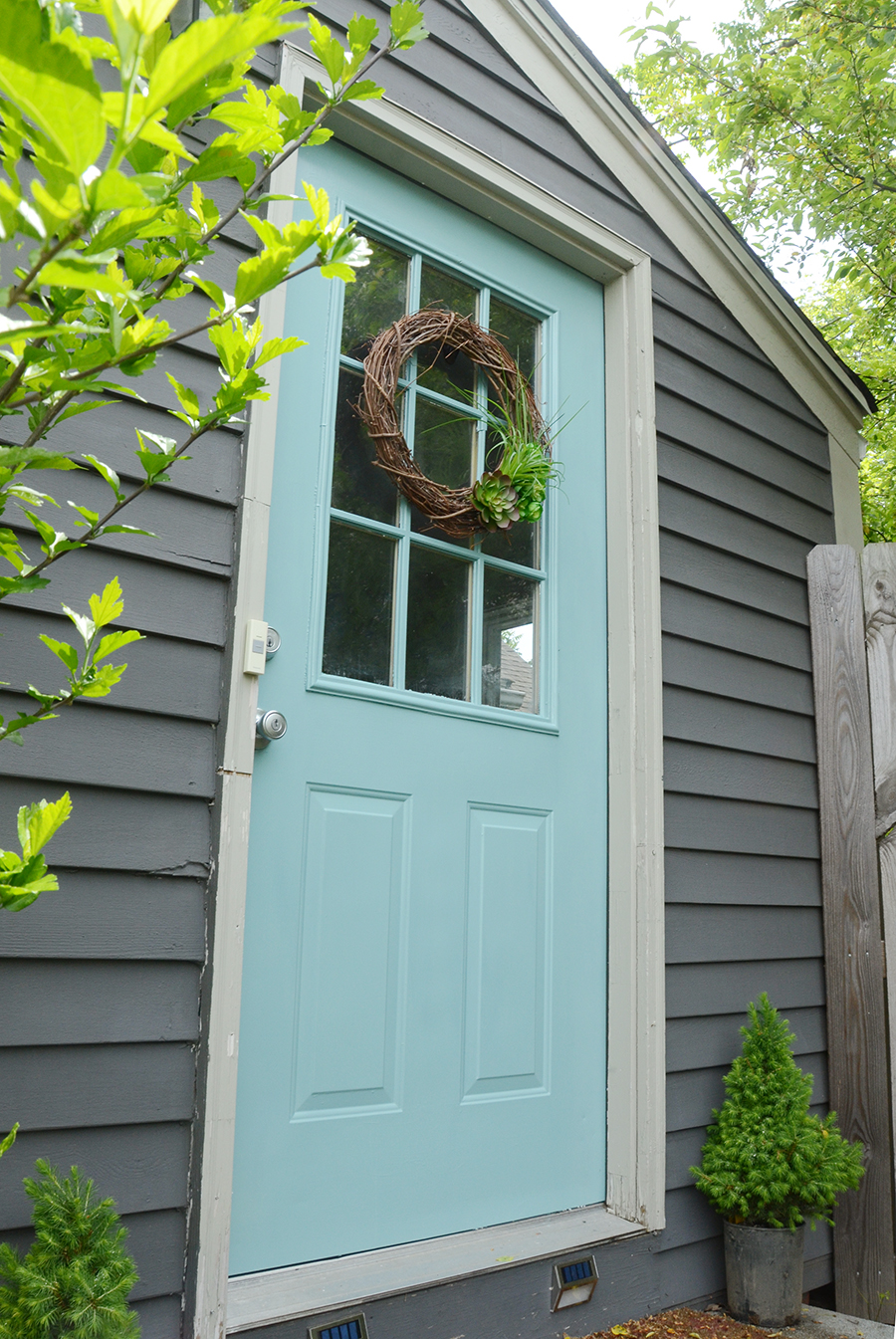 How to paint an exterior door fresh color