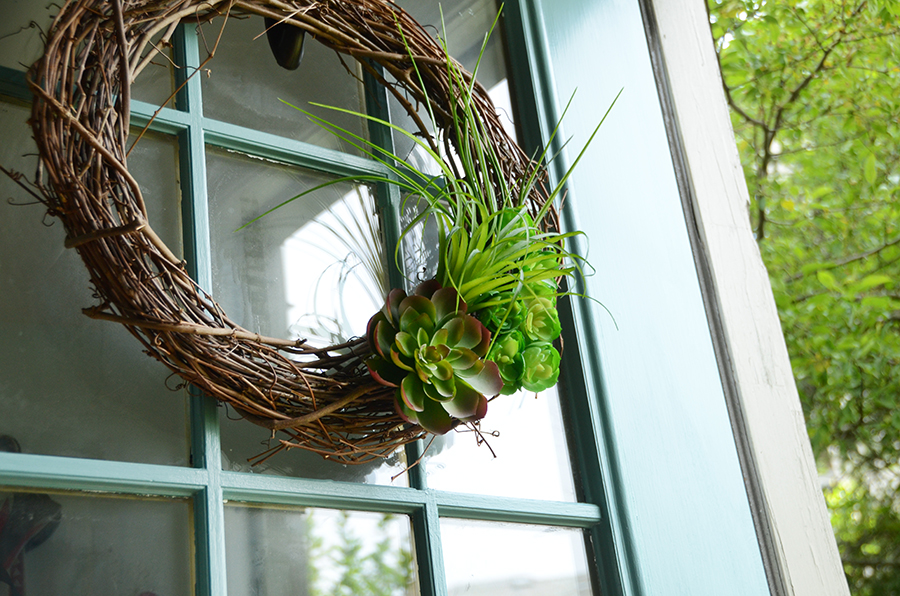 How to paint an exterior door succulent wreath decor