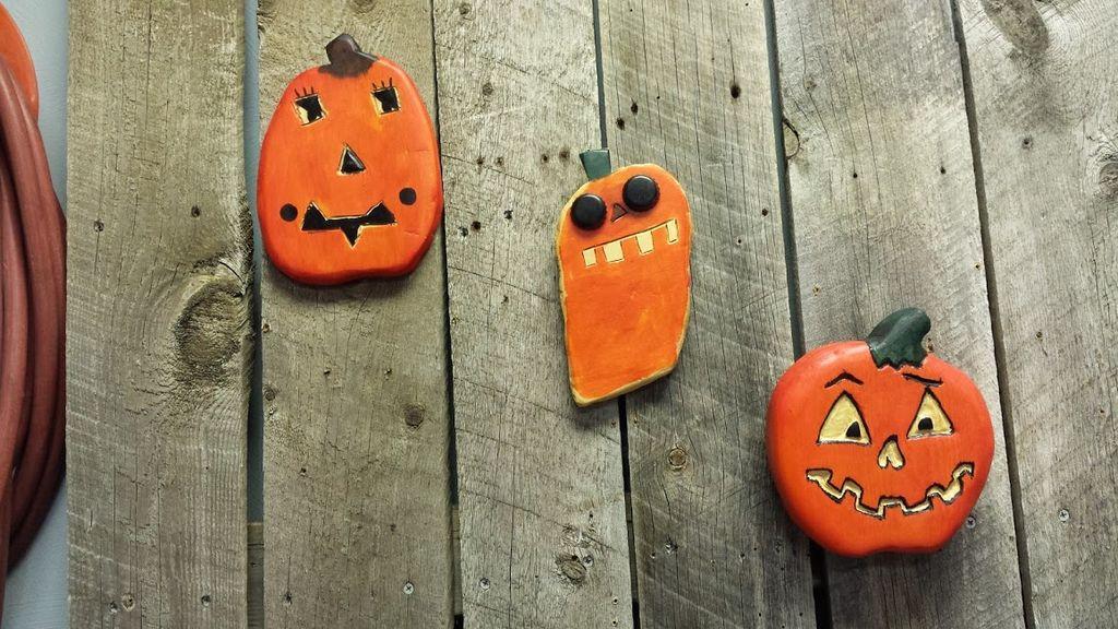 Scrap wood jack o lanterns