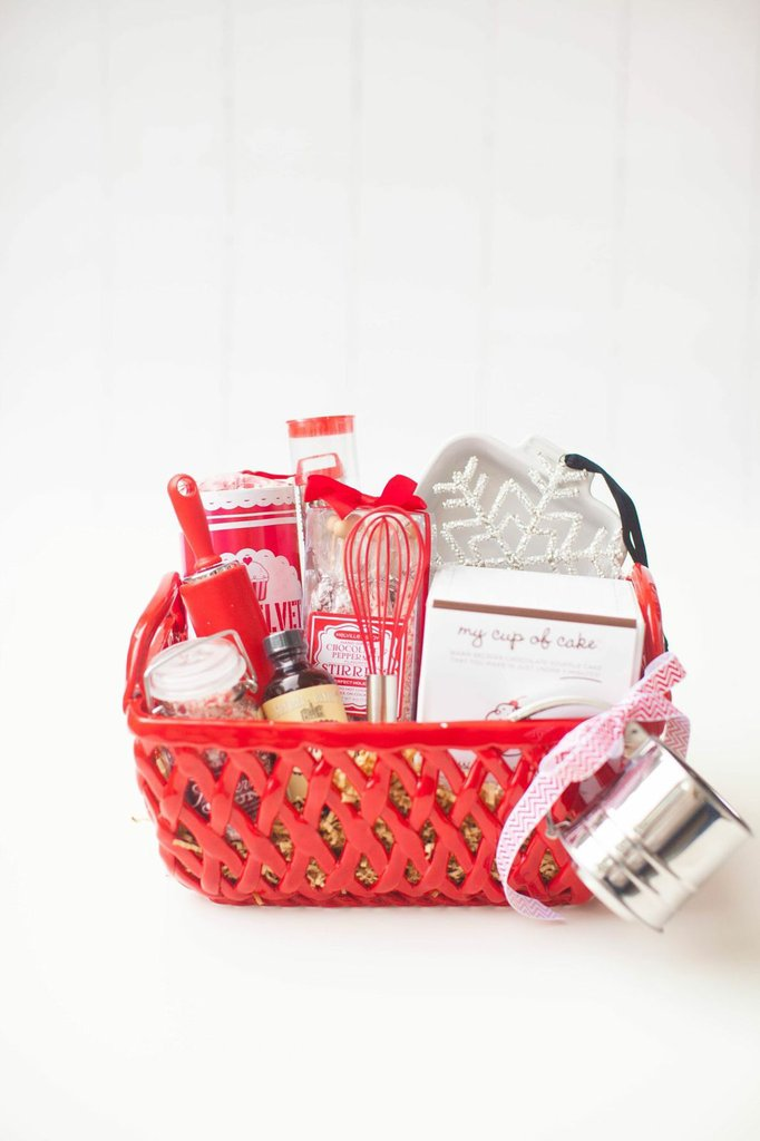 Simple baker gift basket diy