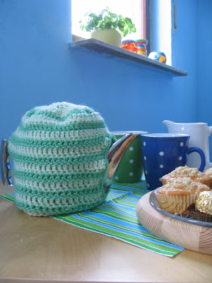 Straight forward tea cozy