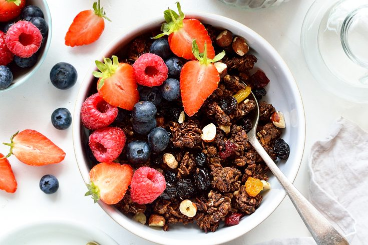 Chocolate and berry granola - a healthy breakfast that almost tastes like dessert!