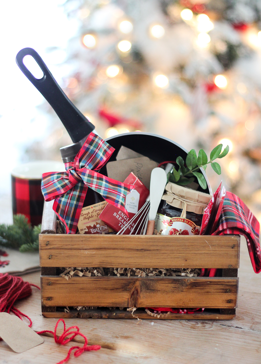 50 diy gift baskets to inspire all kinds of gifts christmas morning gift basket negle Image collections