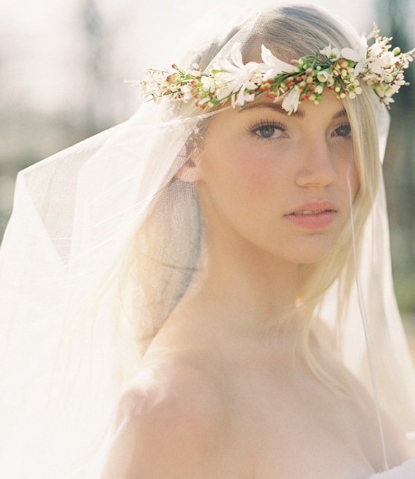 Flower crown for wedding veil