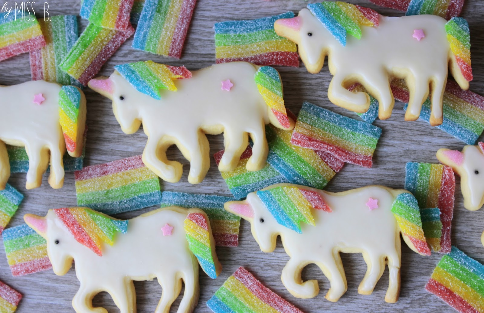 Rainbow unicorn cookies
