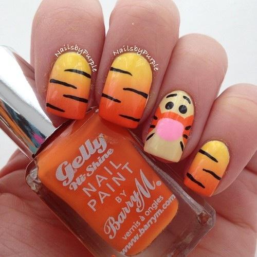 Cute tigger nails