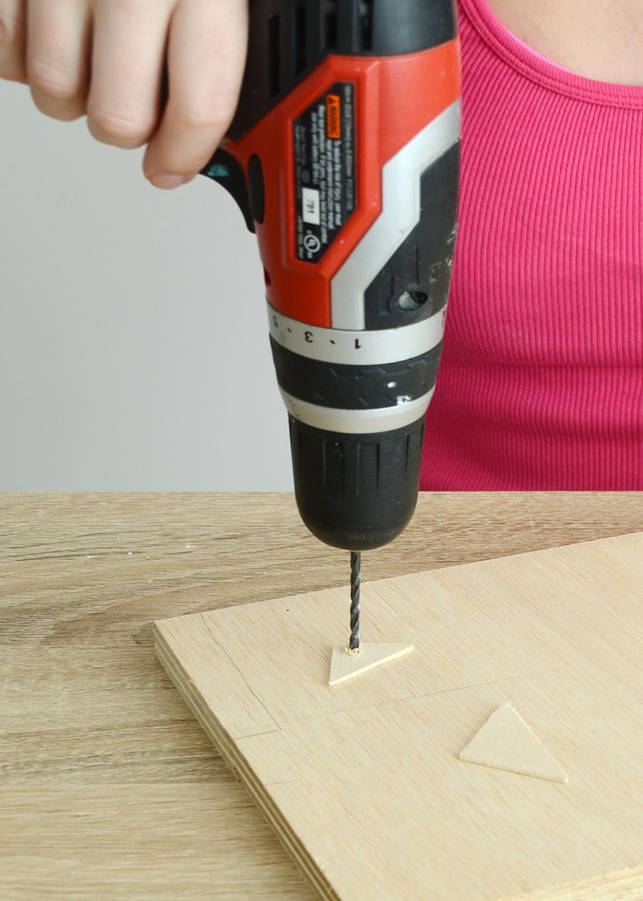Diy wooden triangle necklace drill process