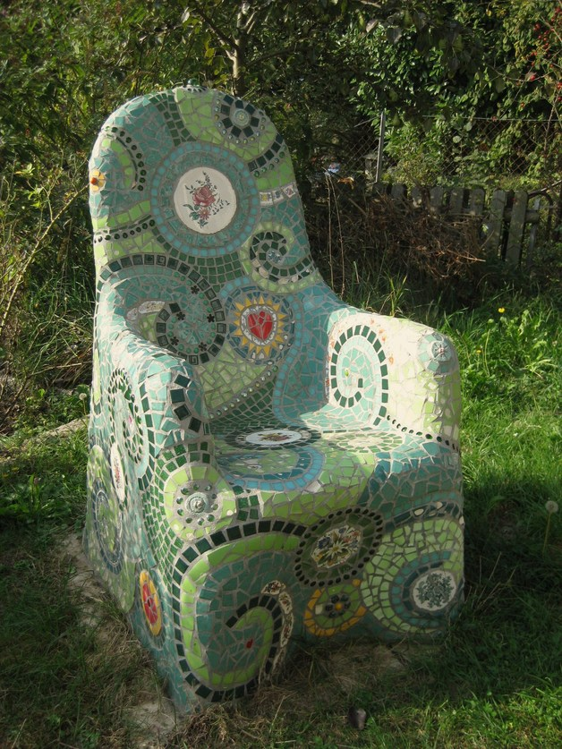 Mosaic garden throne