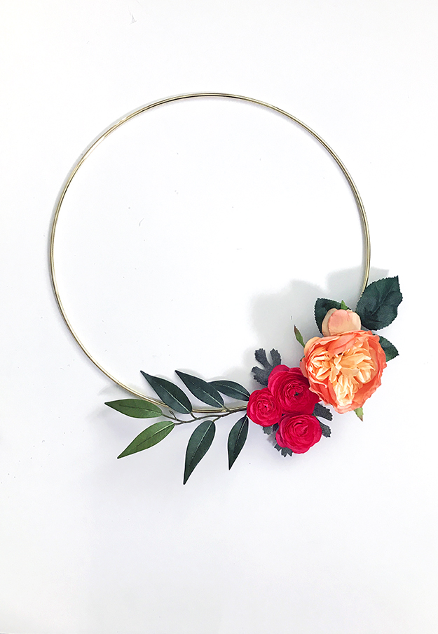 Simple modern wreath craft