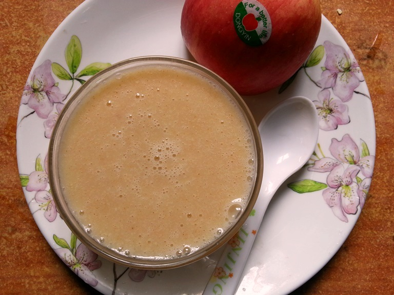 Apple and oat porridge