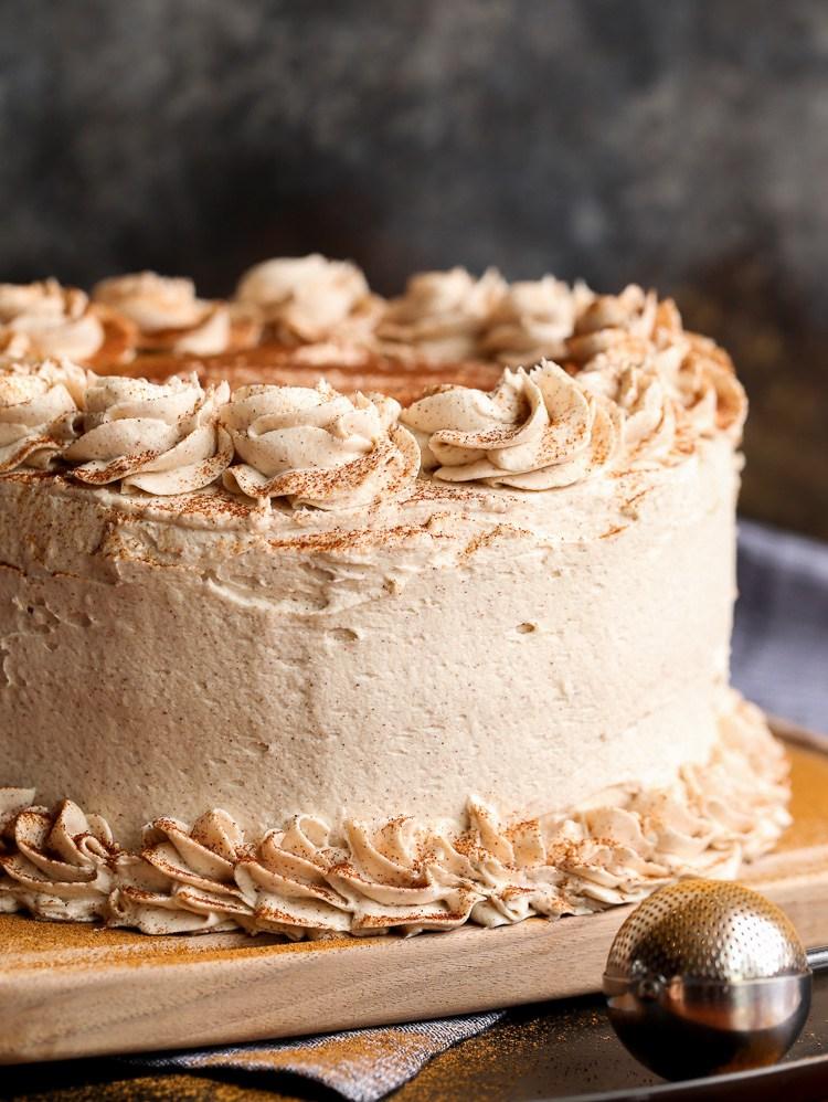 Cinnamon roll layer cake recipe