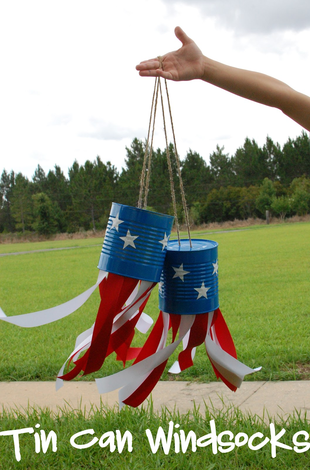 Diy 4th of july tin can windsocks
