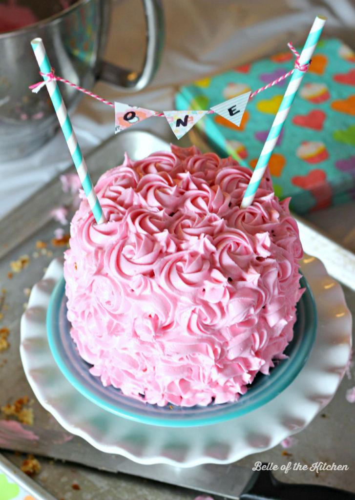 Vanilla smash cake with pink rosettes recipe