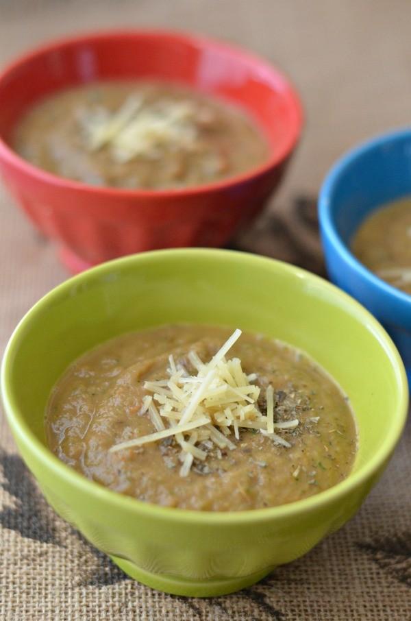 Zucchini mushroom tomato soup1