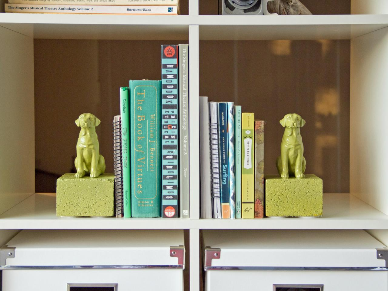Animal bookend diy