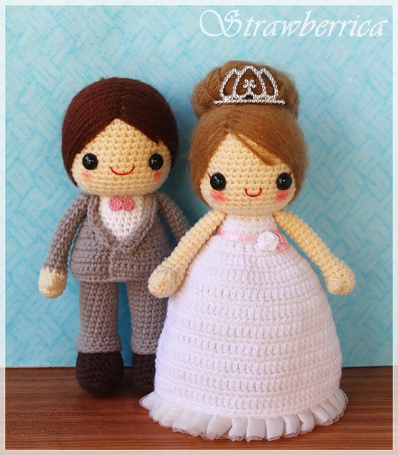 Bride and groom crocheted dolls