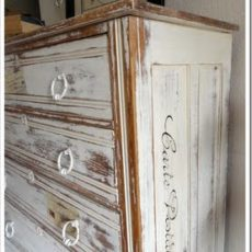 Carte postal painted dresser