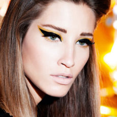 Colour outlined winged liner