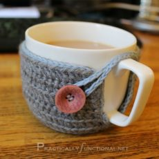 Crocheted coffee mug diy