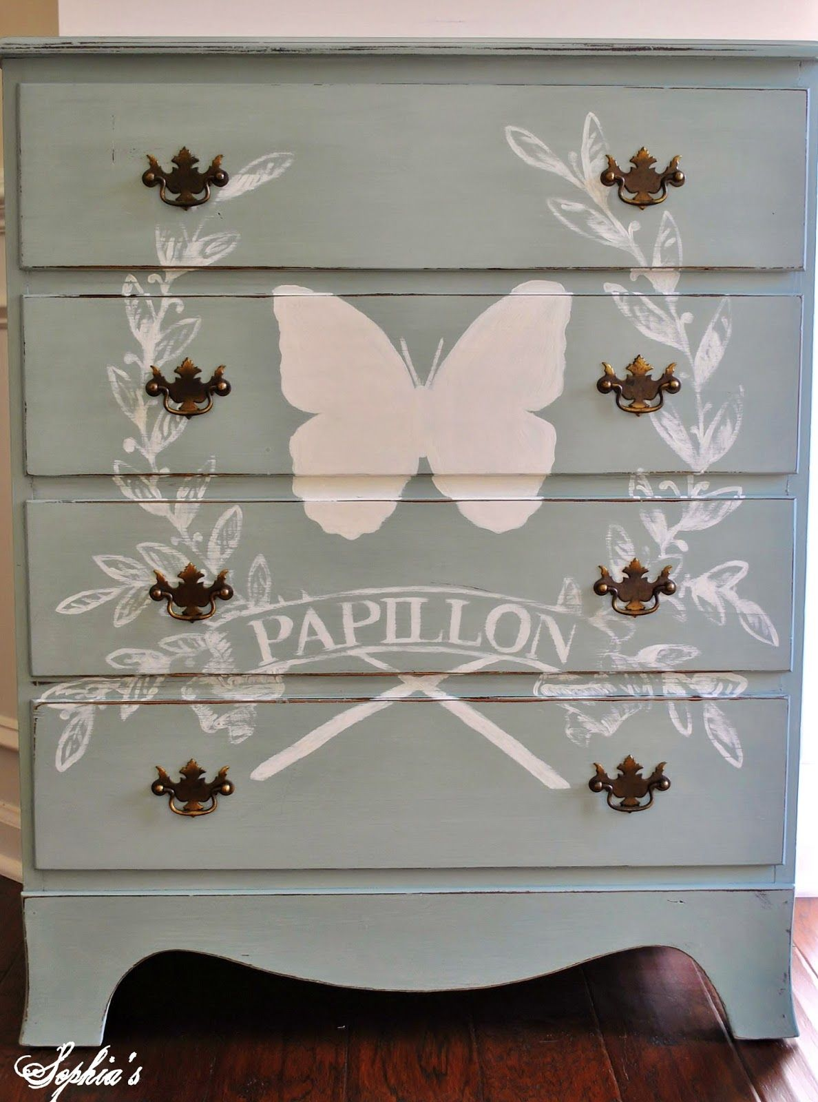 French butterfly dresser