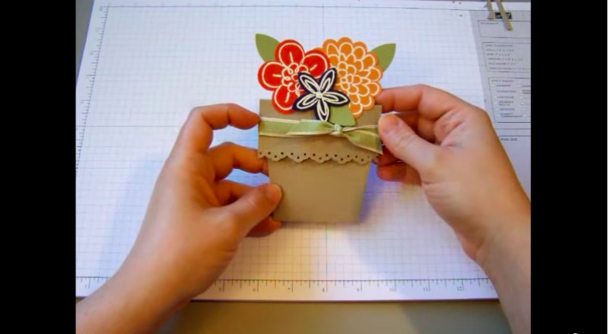 Pretty paper flower pot