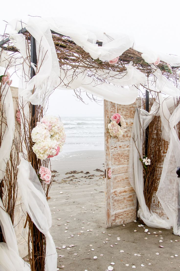 40 diy beach wedding ideas perfect for a destination celebration rustic beach wedding ceremony chuppah junglespirit Image collections